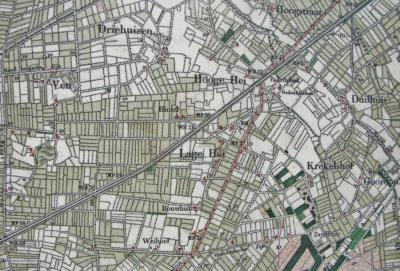 """De naam Maria-Heide is in 1906 als dorpsnaam toegekend, na de bouw van de kerk en het ontstaan van de bijbehorende parochie in dat jaar. Rond 1900 heette het gebied van de huidige kern van Maria-Heide """"Lage Hei"""", met vlak N daarvan Hooge Hei."""