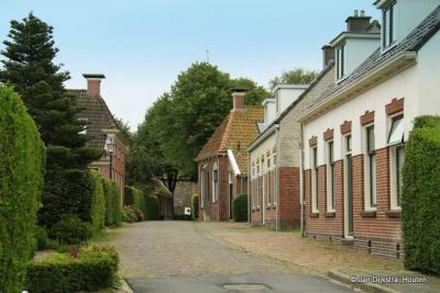 De provincie Groningen heeft zoveel mooie oude dorpen zoals hier Niehove.