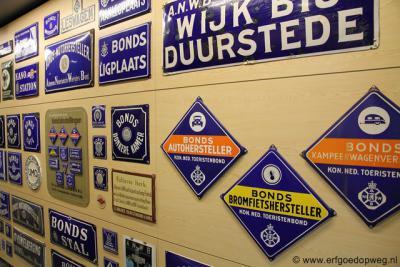 Er zijn vele soorten cultureel erfgoed. Eén daarvan is motorvoertuiggerelateerd erfgoed, waar een gelijknamige werkgroep zich mee bezighoudt. Zie verder www.erfgoedopweg.nl