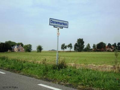 Denemarken ligt niet alleen in Scandinavië, maar ook in Slochteren. Overigens is deze buurtschap niet naar het land genoemd. Hoe het wél zit, kun je lezen onder het kopje Naam op de pagina van Denemarken.
