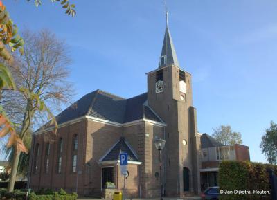 Hervormde kerk van Benthuizen, met een toren uit 1797