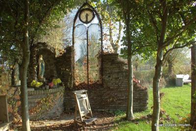 De 'Groene Kathedraal' in buurtschap Rietveld. Een bijzondere plaats in een eveneens bijzondere omgeving.