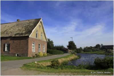 Een zeer oude boerderij in buurtschap Achterland