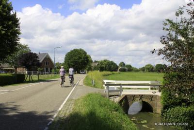 Heerlijk rustig fietsen door Achtersloot, weinig verkeer!