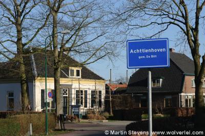 De buurtschap Achttienhoven heeft een bijzondere uitvoering van het 'kombord'
