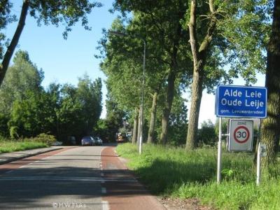 Alde Leie is de officiële spelling van de naam van dit dorp. Er zijn echter nog meer spellingen in omloop. Zie daarvoor bij het kopje Naam.