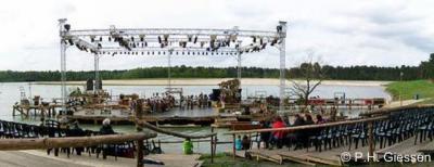 Alphen NB heeft in 2009 het 1.300-jarig bestaan gevierd, o.a. met een musical op het recreatiepark van buurtschap 't Zand.