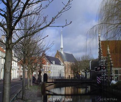 Amersfoort, kerk aan 't Zand en Museum Flehite (rechts)