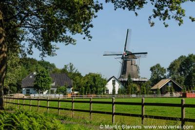 Buurtschap Appel, met o.a. de in 2004 gerestaureerde Molen De Hoop uit 1888.