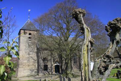 Het zeer oude zaalkerkje in Appeltern.