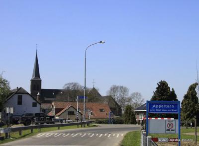 Appeltern een dorp aan de Maas.