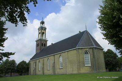 Bij de kerk van Arum