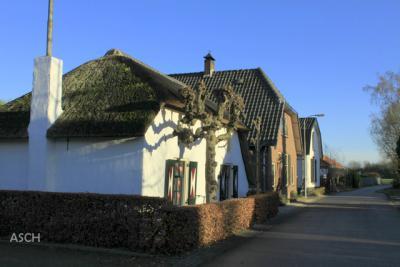 In Asch, vlakbij de kerk
