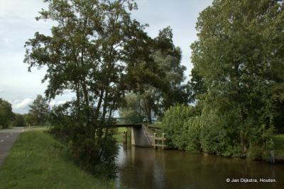 Rechtsaf over de Stroobossertrekvaart naar Augsbuurt.