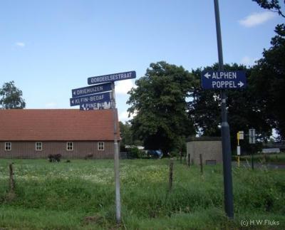 Groot Bedaf en Klein Bedaf (buurtschappen van Baarle-Nassau) hebben geen plaatsnaambordjes, dus u zult het ter plekke met de richtingbordjes en straatnaambordjes moeten doen om te zien of u er (in de buurt) bent.