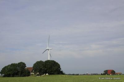Naast de Babuurstermolen, uit 1882, staan er in buurtschap Baburen moderne windmolens van Wynpark Beabuorren