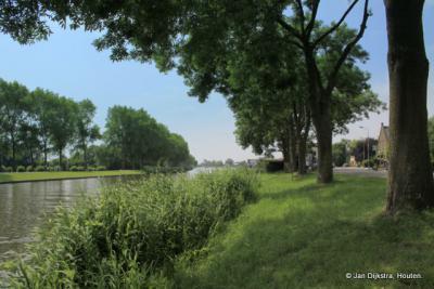Het Merwedekanaal bij buurtschap Bazeldijk.