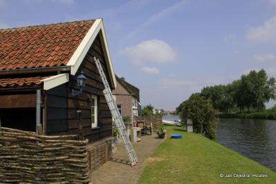 De buurtschap Bazeldijk is nauw verbonden met het Merwedekanaal