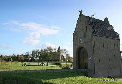 Bears, de Stinspoort van de Uniastate met op de achtergrond de kerk van Bears.