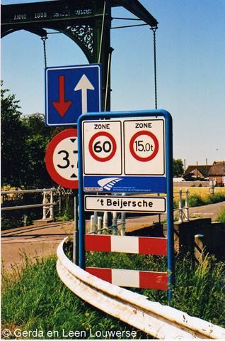 't Beijersche heeft in 2011 plaatsnaamborden gekregen, zodat je nu eindelijk kunt zien dat je deze buurtschap betreedt en dat dit niet zomaar wat boerderijen in het buitengebied van Stolwijk zijn.