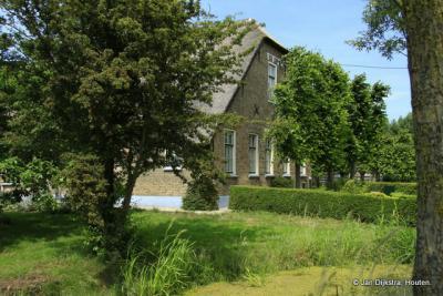 Een oude, maar zeer mooie boerderij in Benedenheul