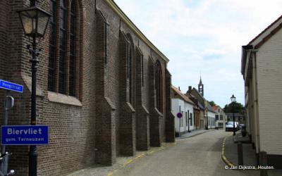 We zijn in het dorp Biervliet aangekomen (maar soms wordt het plaatsje nog altijd een stad genoemd)