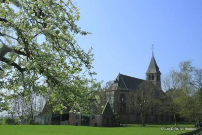 Het kerkje van Binnenwijzend, in 1911 gebouwd op de funderingen van de in dat jaar afgebrande kerk uit 1459.