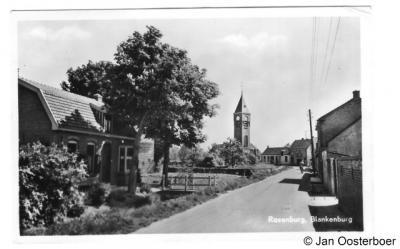 Blankenburg, na de sloop van de kerk, in 1936, is op de voet van de toren een nieuwe spits gebouwd. In 1951 is deze toren alsnog afgebroken.