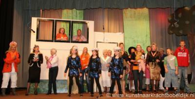 Bobeldijk, toneelvereniging Kunst naar Kracht heeft in 2010 het 100-jarig bestaan gevierd met de revue 'Eeuwigheid kent geen tijd'