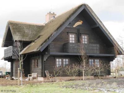 Bokkebuurt, een van de vier huizen van deze buurtschap, genaamd 'Bokkesprong'. Op het erf van deze woning lopen ook bokken en geiten.