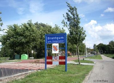 Brantgum, plaatsnaambord, met dorpswapen