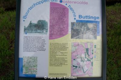 In buurtschap Buttinga kun je op een informatiepaneel lezen en zien wat er zo bijzonder is aan deze buurtschap en de omgeving ervan
