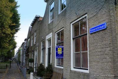 Op de Voorstraat in Colijnsplaat.