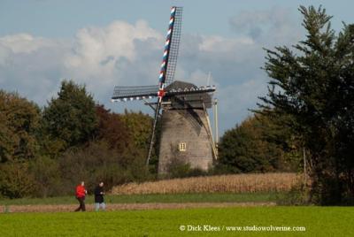 Wolfshuis, de Van Tienhovenmolen is de enige Nederlandse windmolen die is opgebouwd uit mergelsteen