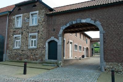 Noorbeek, binnenplaats van dorpshoeve