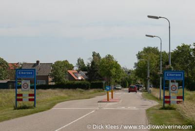 Elkerzee is een voormalig dorp, tegenwoordig buurtschap, met een bebouwde kom en 30 km-zone.