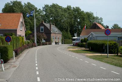Looperskapelle, buurtschapsgezicht met linksachter het voormalige gemeentehuis (Kapelleweg 19).