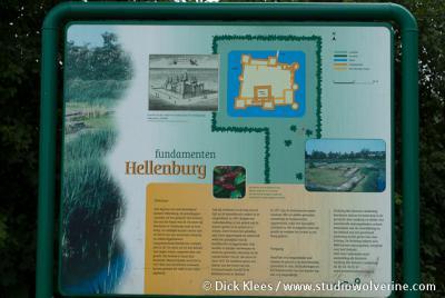 Infobord over Kasteel Hellenburg, omgeving Baarland