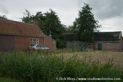 Krommenhoeke, boerderij met schuurtjes