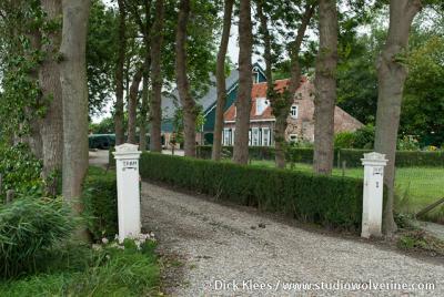 Sint Janskerke, de rijksmonumentale 19e-eeuwse Hoeve Tramzicht op huisnr. 1