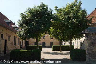 Oud-Valkenburg, hofboerderij in mergelsteen
