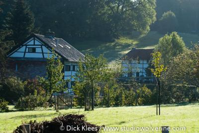Rott, vakwerkboerderijen tegen het Vijlernerbos