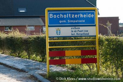 Bocholtzerheide is voor een buurtschap aan de grote kant en relatief dichtbebouwd, daarom heeft het een 'bebouwde kom' met blauwe plaatsnaamborden, in plaats van witte, zoals bij de meeste buurtschappen het geval is.