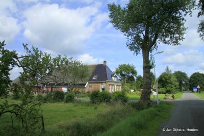 Kampeerboerderij in De Tike