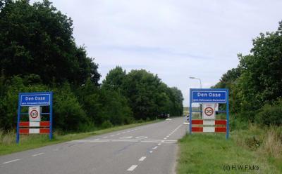 Den Osse was vanouds een buurtschap, maar is tegenwoordig vooral bekend als badplaats, en valt voor de post onder de naburige stad Brouwershaven.