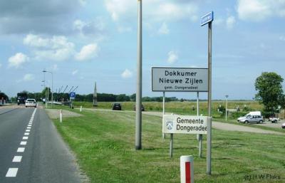 De buurtschap Dokkumer Nieuwe Zijlen ligt in de gemeente Dongeradeel.