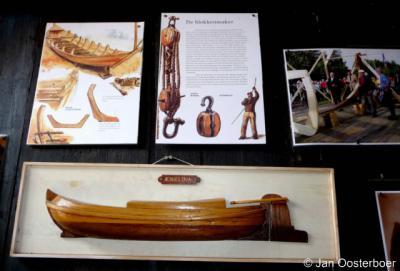 Earnewâld, Skûtsjemuseum. De Aebelina, het eerste en enige houten skûtsje dat sinds 1900 is gebouwd, is in 2010 gereedgekomen. Nadere informatie hierover vind je op de site van het Skûtsjemuseum.