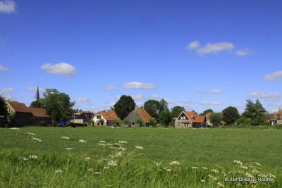 Easterlittens, gezien vanuit de buurtschap Wieuwens