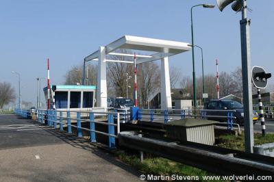 De plaatsnaam Eembrugge wordt hier mooi gevisualiseerd: genoemd naar een brug over de Eem. Deze brug dus. Nou ja, een voorganger daarvan natuurlijk, want zulke bruggen hadden ze nog niet in de middeleeuwen...