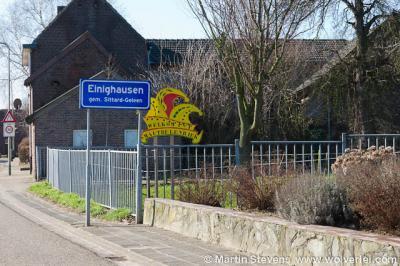 Einighausen is een dorp in de provincie Limburg, in de regio Westelijke Mijnstreek, gemeente Sittard-Geleen. T/m 1981 gemeente Limbricht.